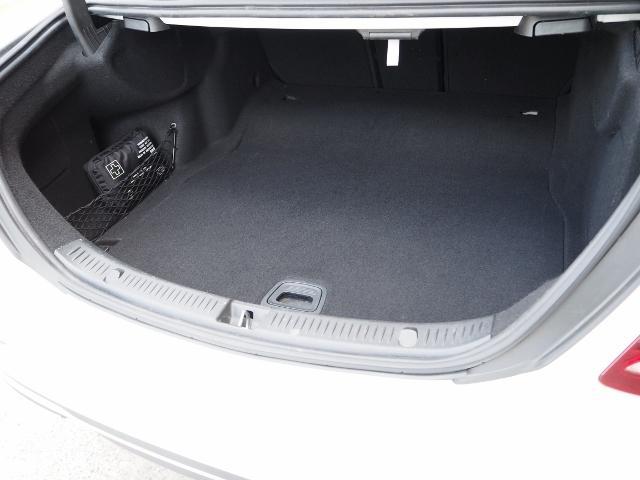 E400 4マチック エクスクルーシブ メーカーオプションエクスクルーシブパッケージ ワンオーナー禁煙車 黒革シート Burmesterサウンド パノラミックスライディングルーフ レーダーセーフティ(27枚目)