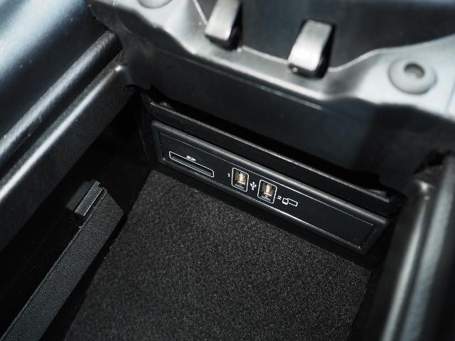 E400 4マチック エクスクルーシブ メーカーオプションエクスクルーシブパッケージ ワンオーナー禁煙車 黒革シート Burmesterサウンド パノラミックスライディングルーフ レーダーセーフティ(47枚目)