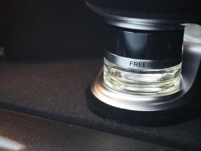 E400 4マチック エクスクルーシブ メーカーオプションエクスクルーシブパッケージ ワンオーナー禁煙車 黒革シート Burmesterサウンド パノラミックスライディングルーフ レーダーセーフティ(50枚目)