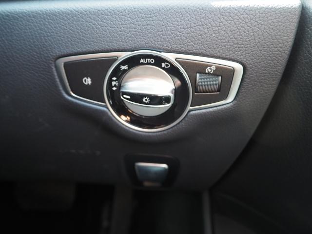 E400 4マチック エクスクルーシブ メーカーオプションエクスクルーシブパッケージ ワンオーナー禁煙車 黒革シート Burmesterサウンド パノラミックスライディングルーフ レーダーセーフティ(53枚目)