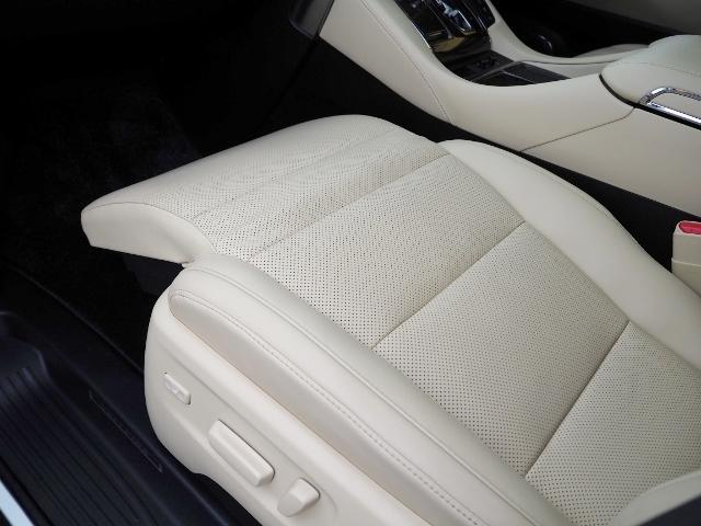 3.5エグゼクティブラウンジ 4WD ワンオーナー禁煙車 OP・ツインサンルーフ OP・TRDエアロ OP・寒冷地仕様車 セーフティセンス JBL メーカーナビ リヤエンタメ 全周囲 Pバックドア Dインナーミラー 本革シート(25枚目)