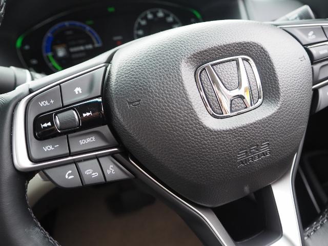 EX 走行0.5万キロ ワンオーナー 禁煙車 サンルーフ Hondaセンシング HUD BSM パーコングセンサー 白革シート メーカーナビ Bカメラ ワイヤレス充電器 ドラレコ(30枚目)