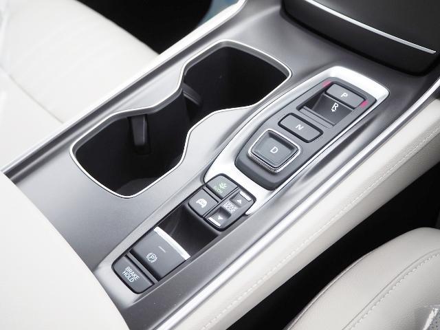 EX 走行0.5万キロ ワンオーナー 禁煙車 サンルーフ Hondaセンシング HUD BSM パーコングセンサー 白革シート メーカーナビ Bカメラ ワイヤレス充電器 ドラレコ(39枚目)