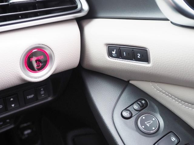 EX 走行0.5万キロ ワンオーナー 禁煙車 サンルーフ Hondaセンシング HUD BSM パーコングセンサー 白革シート メーカーナビ Bカメラ ワイヤレス充電器 ドラレコ(46枚目)