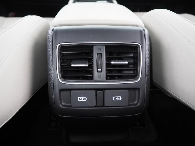 EX 走行0.5万キロ ワンオーナー 禁煙車 サンルーフ Hondaセンシング HUD BSM パーコングセンサー 白革シート メーカーナビ Bカメラ ワイヤレス充電器 ドラレコ(48枚目)