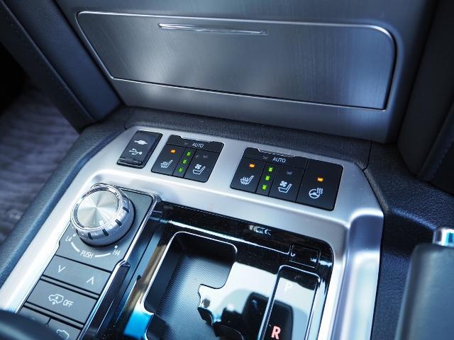 ZX ワンオーナー 禁煙車 走行1.8万キロ OP・メーカーナビ OP・マルチテレインモニター OP・リヤエンタ-テイメント OP・パワーバックドア OP・ルーフレール セーフティセンス BSM 黒革 SR(50枚目)