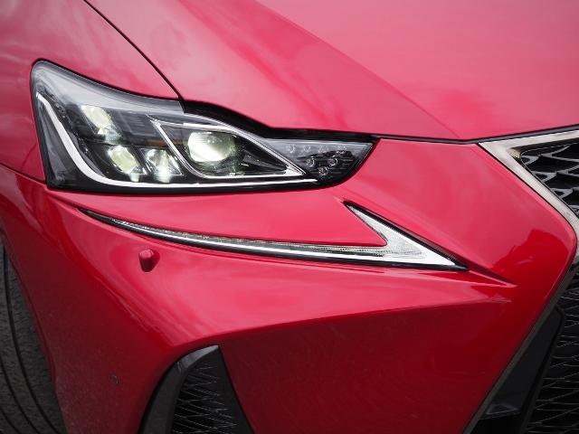 IS300h Fスポーツ 4WD ワンオーナー禁煙車 セーフティシステムプラス OP・サンルーフ OP・三眼LEDヘッドランプ OP・マークレビンソン OP・BSM/RCTA OP・ソナー OP・寒冷地仕様車 OP・ドラレコ(14枚目)