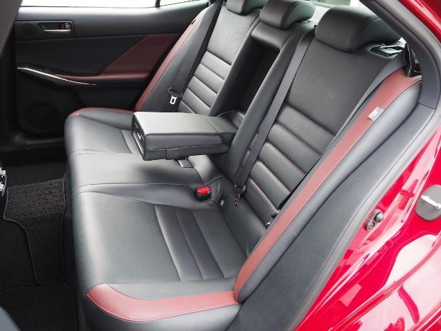 IS300h Fスポーツ 4WD ワンオーナー禁煙車 セーフティシステムプラス OP・サンルーフ OP・三眼LEDヘッドランプ OP・マークレビンソン OP・BSM/RCTA OP・ソナー OP・寒冷地仕様車 OP・ドラレコ(25枚目)