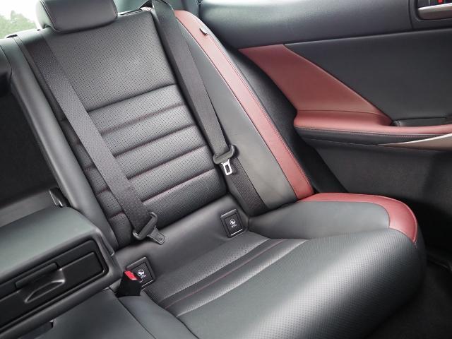 IS300h Fスポーツ 4WD ワンオーナー禁煙車 セーフティシステムプラス OP・サンルーフ OP・三眼LEDヘッドランプ OP・マークレビンソン OP・BSM/RCTA OP・ソナー OP・寒冷地仕様車 OP・ドラレコ(52枚目)