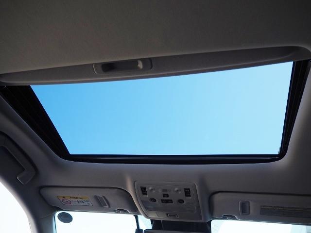 IS200t バージョンL ワンオーナー 禁煙車 セーフティシステムプラス OP・マークレビンソン OP・サンルーフ OP・BSM/RCTA OP・ソナー OP・18AW ブラックツートン革シート メーカーSDナビ Bカメラ(20枚目)