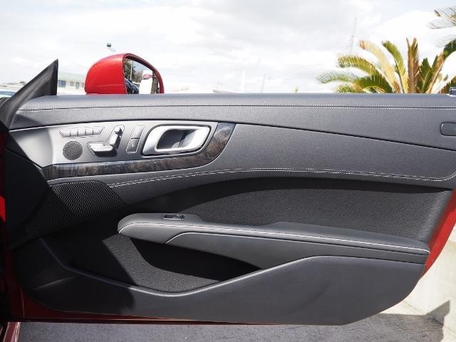 SL400 走行1.2万キロ ワンオーナー禁煙車 レーダーセーフティパッケージ パノラミックバリオルーフ AMG製19AW ブラックナッパレザー 電動ドラフトストップ オートトランクカバー HDDナビBカメラ(59枚目)
