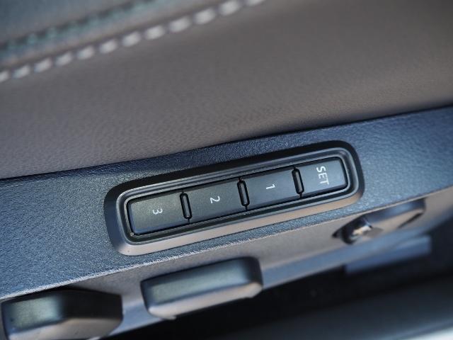 ベースグレード ワンオーナー 禁煙車 前進/後退時衝突軽減ブレーキ機能 ACC BSM 黒革シート ジェスチャーコントロール機能付ワイドナビ Bカメラ アクティブインフォディスプレイ(45枚目)