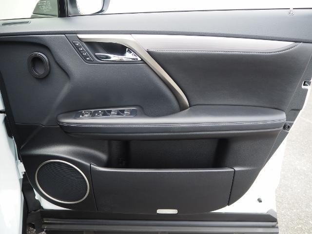 RX200t Fスポーツ 4WD 走行0.8万K 1オーナー禁煙 OP・TRDエアロ&マフラー セーフティシステムプラス OP・パノラマムーンルーフ OP・全周囲 OP・BSM/RCTA/ICS OP・RシートヒーターPシート(60枚目)