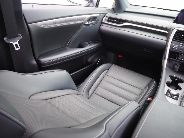 RX200t Fスポーツ 4WD 走行0.8万K 1オーナー禁煙 OP・TRDエアロ&マフラー セーフティシステムプラス OP・パノラマムーンルーフ OP・全周囲 OP・BSM/RCTA/ICS OP・RシートヒーターPシート(61枚目)