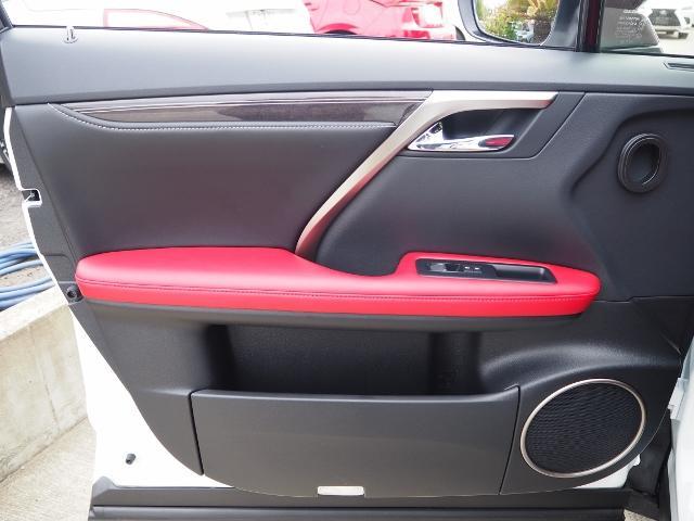 RX300 Fスポーツ 4WD 走行0.6万キロ セーフティシステムプラス OP・TRDフロントスポイラー OP・パノラマルーフ OP・PKSB/BSM/ 全周囲 OP・後席シートヒーター OP・寒冷地仕様 HUD 赤革(58枚目)