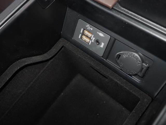 RX300 バージョンL 9千km 1オーナー禁煙車  OPマクレビ OPリヤエンタメ OPパノラマムーンルーフ&ルーフレール OPモデリスタエアロ OP置くだけ充電 OP・AW(60枚目)
