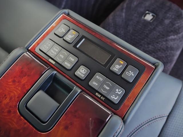 Fバージョン ワンオーナー 禁煙車 セーフティセンス BSM 黒革シート TコネクトSDナビ バックカメラ LEDヘッドランプ OP・18インチAW(25枚目)