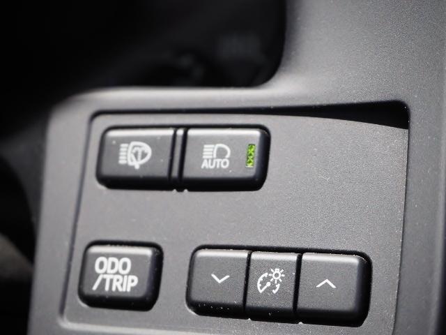 Fバージョン ワンオーナー 禁煙車 セーフティセンス BSM 黒革シート TコネクトSDナビ バックカメラ LEDヘッドランプ OP・18インチAW(42枚目)