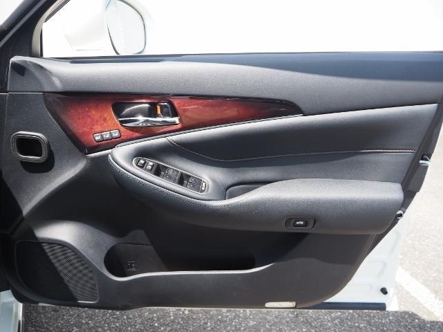 Fバージョン ワンオーナー 禁煙車 セーフティセンス BSM 黒革シート TコネクトSDナビ バックカメラ LEDヘッドランプ OP・18インチAW(51枚目)