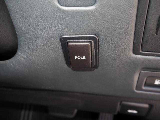 LS600hL エグゼクティブパッケージ 最終型ワイドナビゲーション法人ワンオーナー車 禁煙 OP・革張りインパネ マクレビ リヤエンタメ ワイドSDナビ Bカメラ 前後プリクラ Rクルーズ LKA BSM 黒革 Pトランク(50枚目)