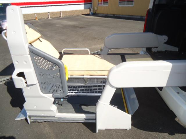トヨタ レジアスエースバン ウェルキャブBタイプロング車椅子仕様車リフトタイプ