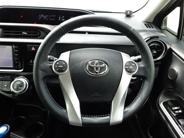 運転中にも操作しやすいオーディオステアリングスイッチ装備!!