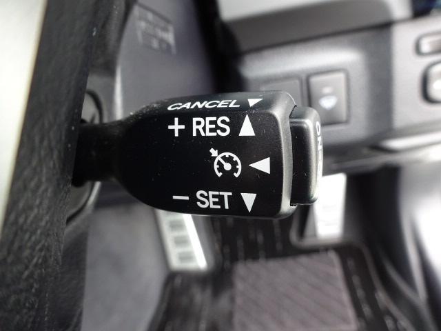 高速走行時に速度を固定できるオートクルーズコントロール装備!!