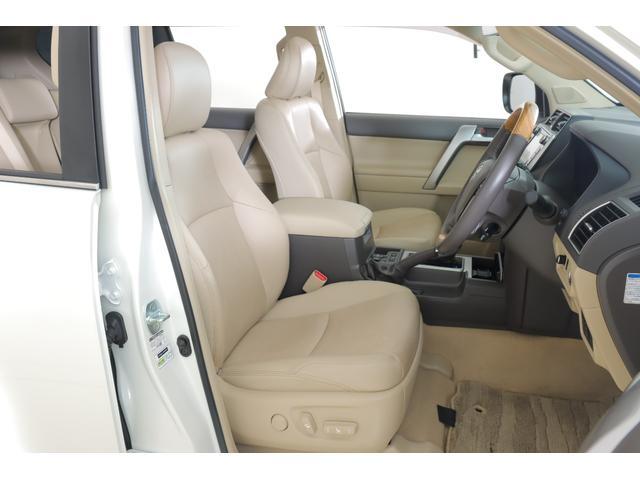 TX Lパッケージ 4WD MOPナビ フルセグ Bモニター 本革 パノラミックビューモニター サンルーフ ETC BSM ワンオーナー 7人(2枚目)