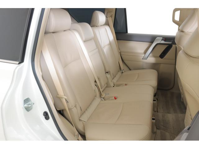 TX Lパッケージ 4WD MOPナビ フルセグ Bモニター 本革 パノラミックビューモニター サンルーフ ETC BSM ワンオーナー 7人(3枚目)