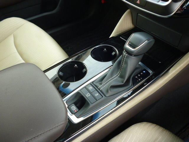 S Cパッケージ 純正ナビ フルセグ 全方位モニター ETC車載器 トヨタセーフティセンス ヘッドアップディスプレイ LEDヘッドライト パワーシート シートヒーター ステアリングヒーター 17インチアルミ(14枚目)