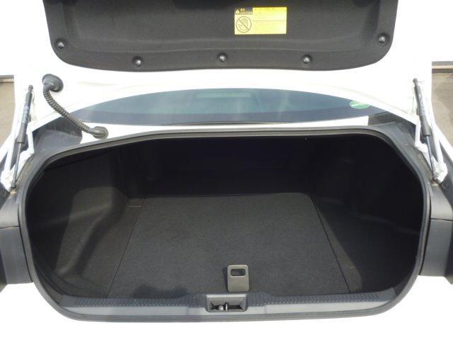 S Cパッケージ 純正ナビ フルセグ 全方位モニター ETC車載器 トヨタセーフティセンス ヘッドアップディスプレイ LEDヘッドライト パワーシート シートヒーター ステアリングヒーター 17インチアルミ(27枚目)