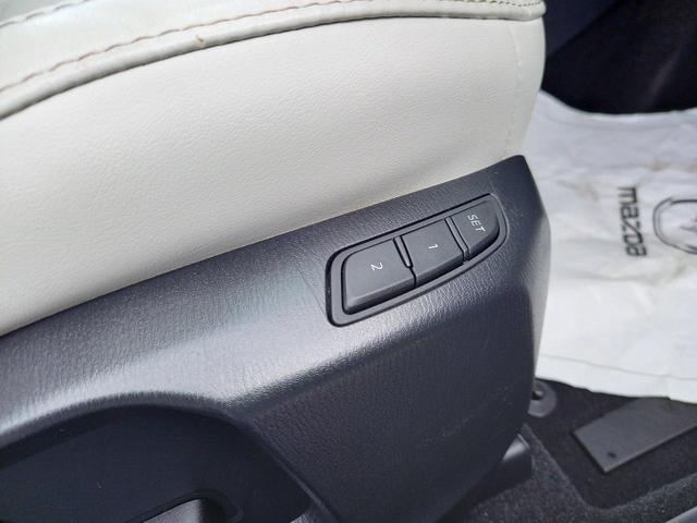 XD Lパッケージ レザーシート シートヒーター パワーバックドア ステアリングスイッチ アダプティブクルーズコントロール バックカメラ ETC フルオートエアコン パワーシート マツダコネクト(48枚目)