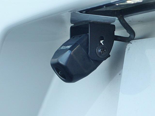 バックカメラでバック駐車も安全に出来ます。