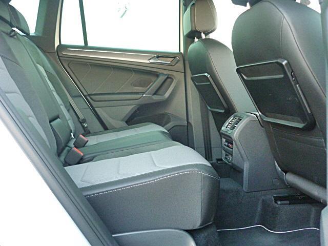 なんと後席にもシートヒーターを装備、前席にももちろん装備されています。