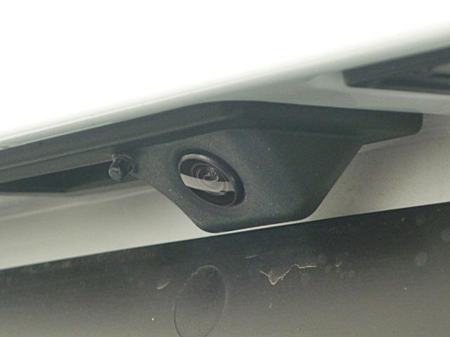 リヤカメラでバック駐車も安心してできます