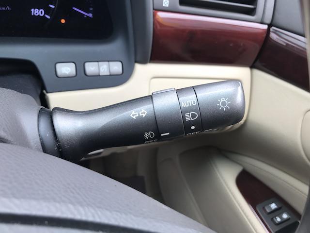 レクサス LS LS600hL サンルーフ 革シート HDDナビ Bカメラ
