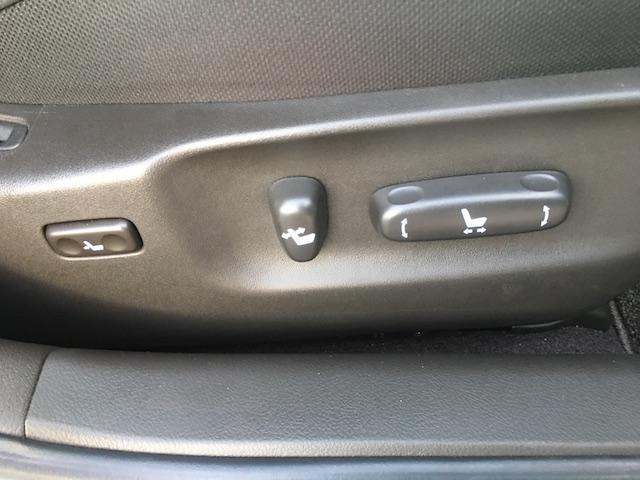 ★パワーシートは手動でシートの位置を調整するものより、シートアレンジが細かくできます★