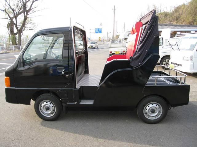 ベースグレード 4WD 5速マニュアル エアコン 4人乗り(4枚目)