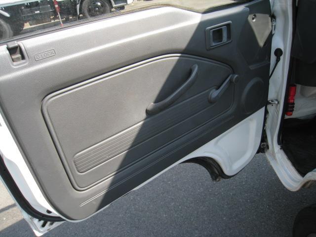 SDX 2WD 5速マニュアル 車検整備付 2ドア ホワイト(14枚目)