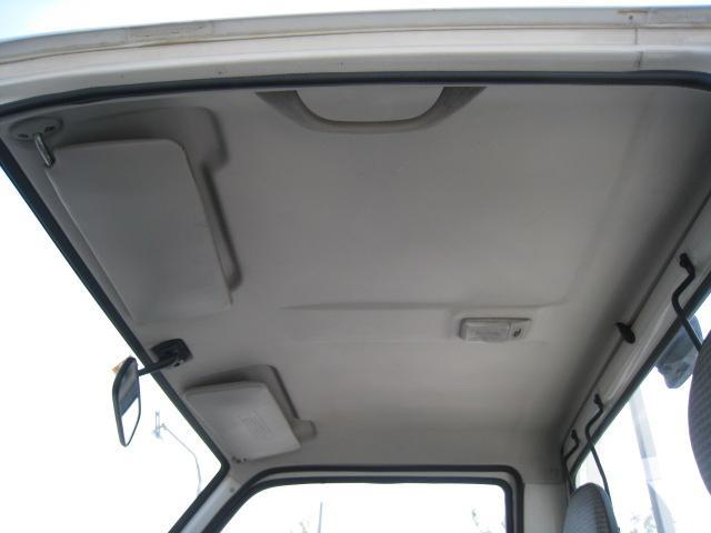 SDX 2WD 5速マニュアル 車検整備付 2ドア ホワイト(18枚目)