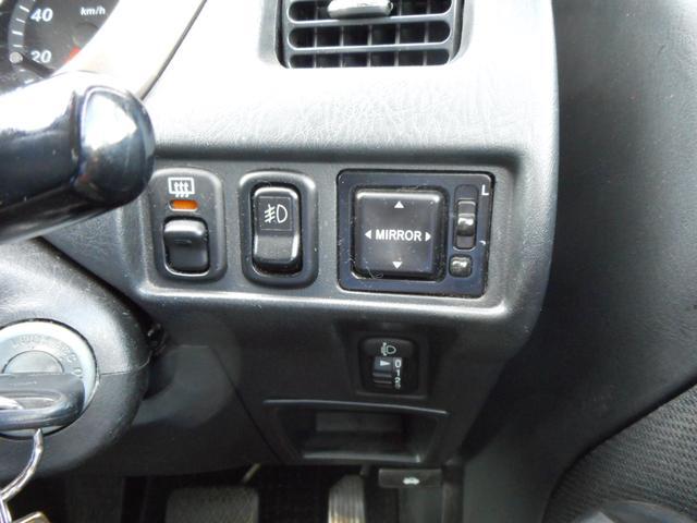 カスタム メモリアルエディション 4WD ターボ キーレス(16枚目)