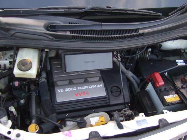 とても静かで好調な3.0V6VVT-iエンジン!