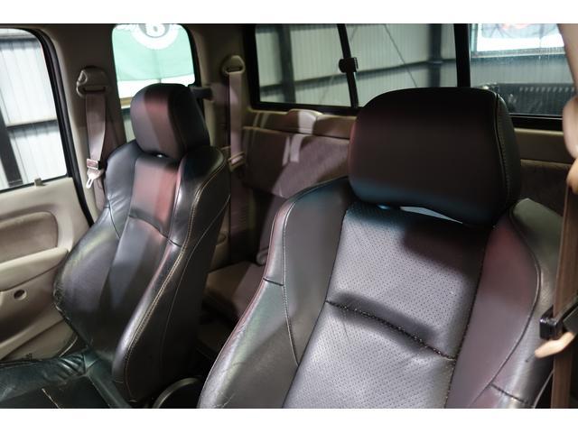 米国トヨタ タコマ エクストラキャブ
