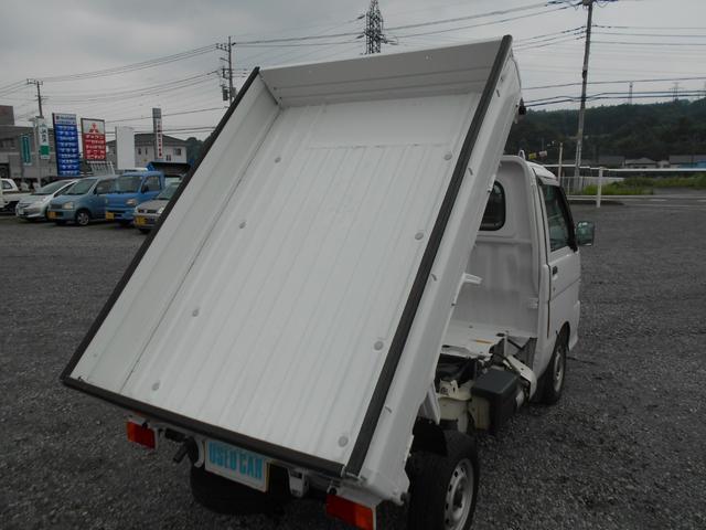 ダンプ 4WD5MT エアコンパワステ タイヤ新品荷台塗装済(9枚目)