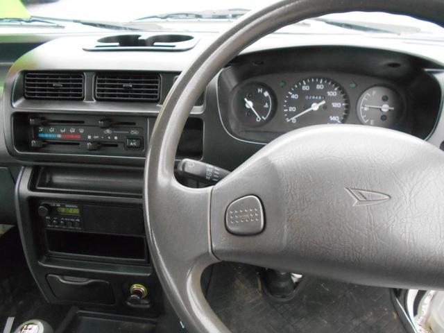 ダンプ 4WD5MT エアコンパワステ タイヤ新品荷台塗装済(11枚目)
