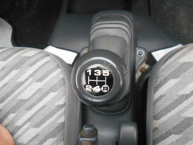 ダンプ 4WD5MT エアコンパワステ タイヤ新品荷台塗装済(15枚目)