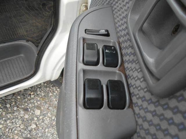 クルーズ 4WD 5MT エアコンパワステ(8枚目)