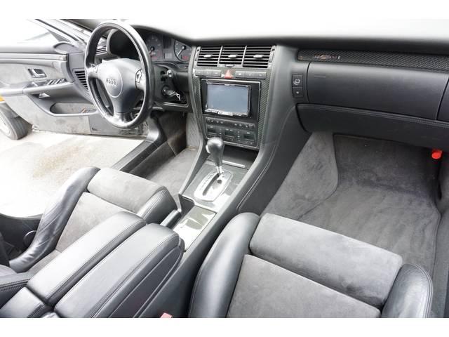 アウディ アウディ S8 ベースグレード