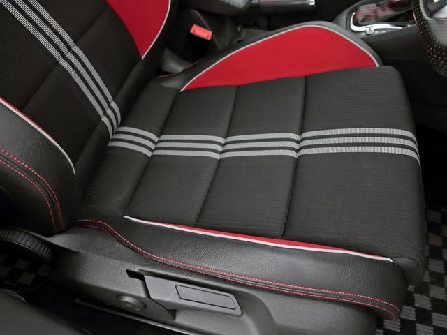GTI アディダス 専用デザインシート、18インチホイール、LEDテールランプが特徴の国内350台特別仕様限定車です。(9枚目)