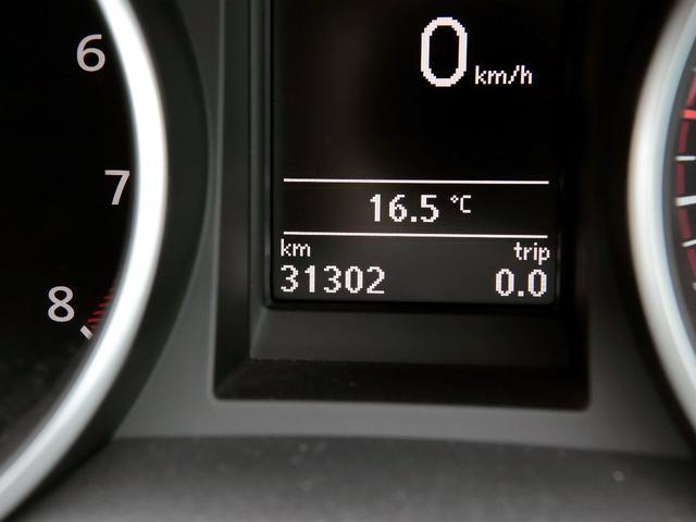GTI アディダス 専用デザインシート、18インチホイール、LEDテールランプが特徴の国内350台特別仕様限定車です。(19枚目)